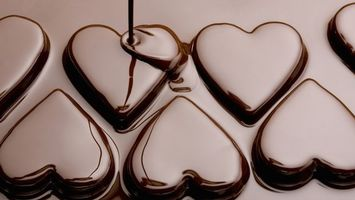 Бесплатные фото конфеты,шоколад,десерт,сладости,отражение,струя,еда