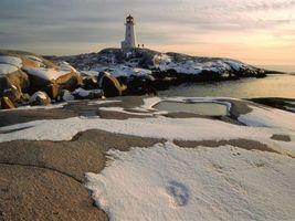 Бесплатные фото море,вода,снег,камни,маяк,небо,природа