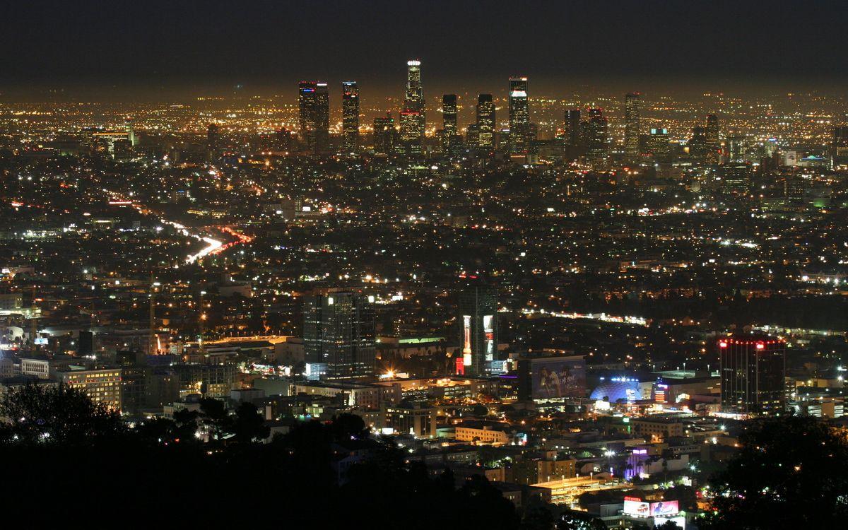 Фото бесплатно ночь, дома, небоскребы, улицы, фонари, огни, город, город