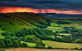Бесплатные фото дома,город,поселок,облака,небо,холмы,деревья