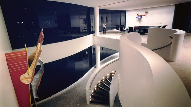 Фото бесплатно холл, лестница, подсветка
