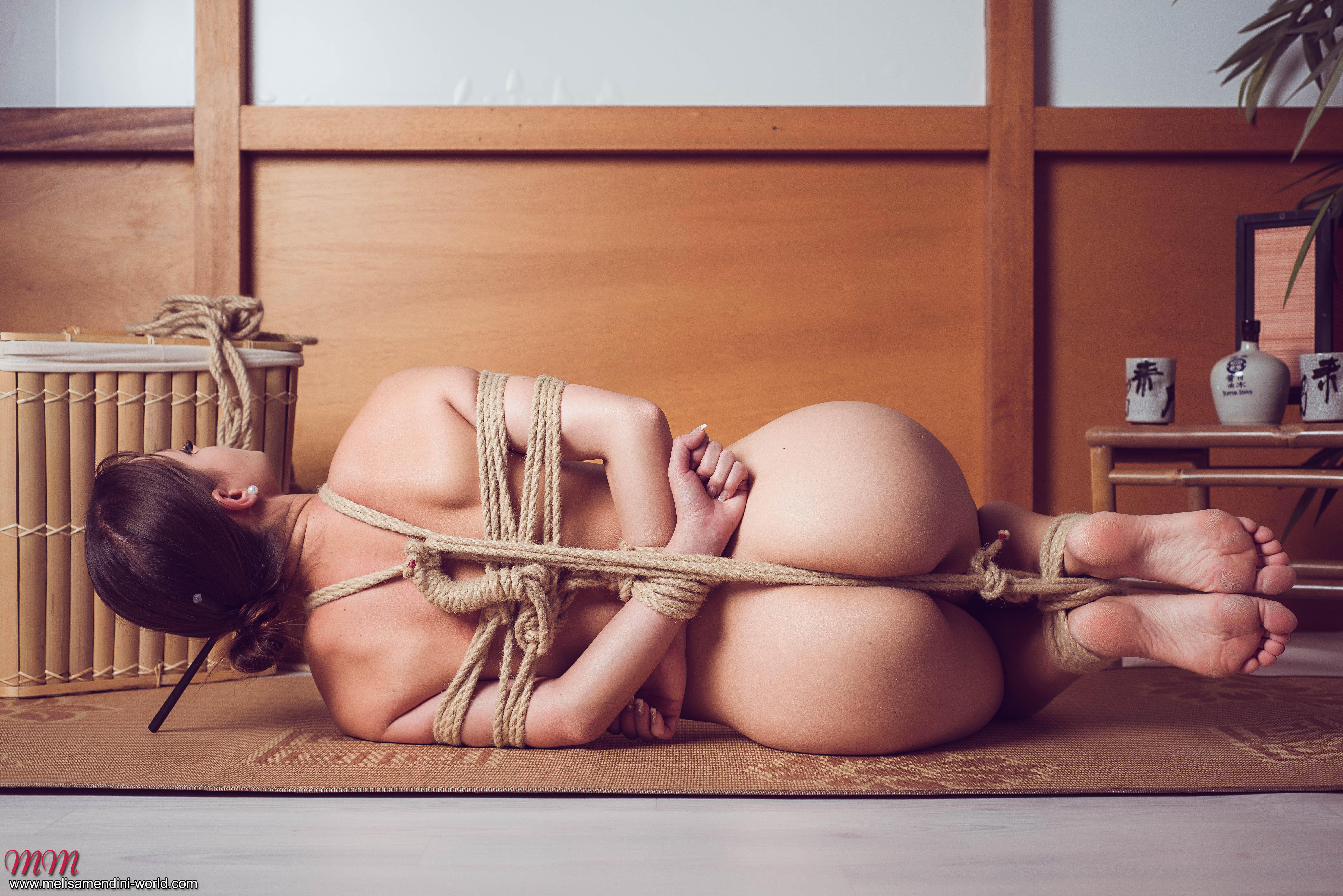 Фото голых связанных девушек, последнее порно кармелла бинг