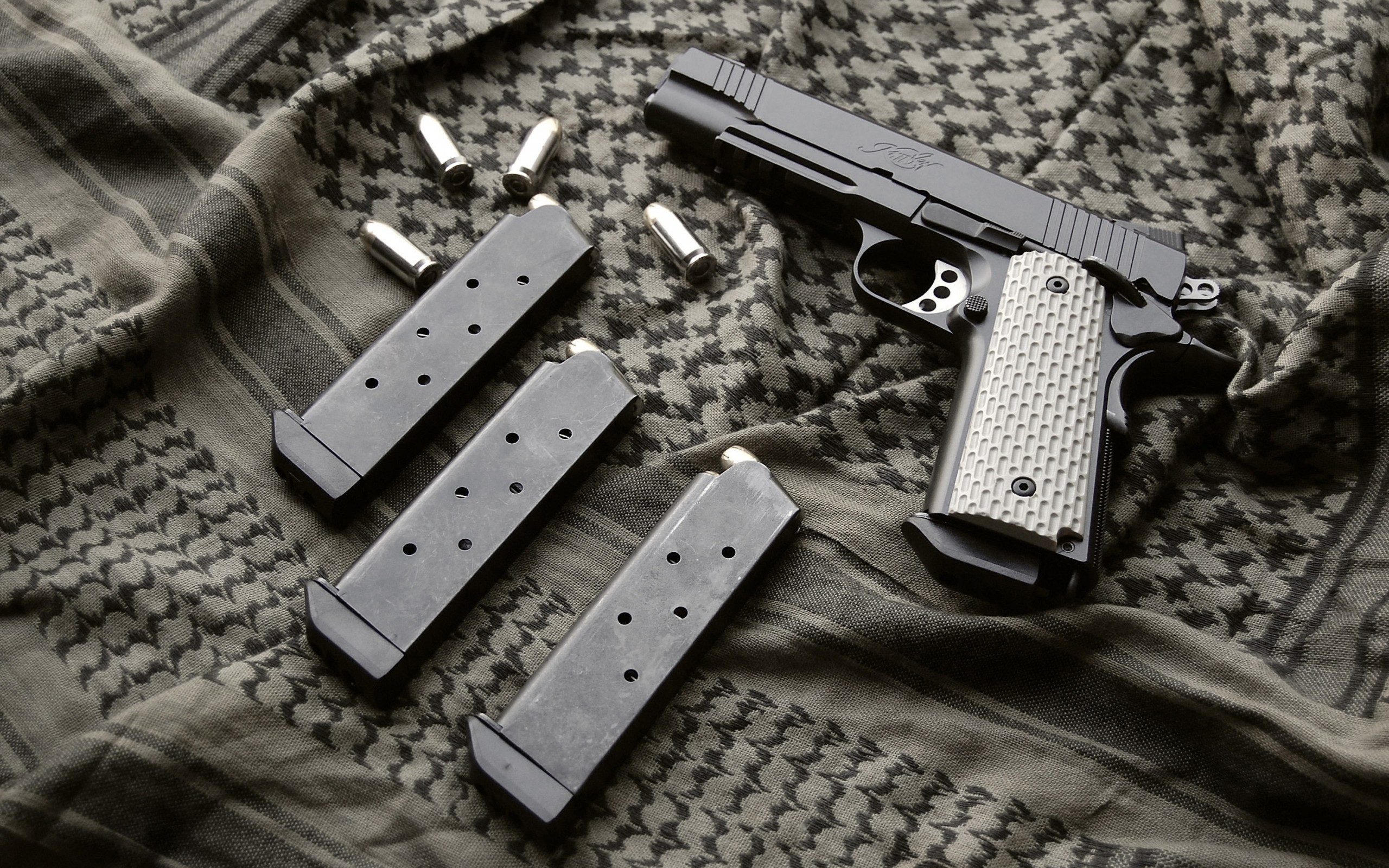 пистолет, ствол, патроны