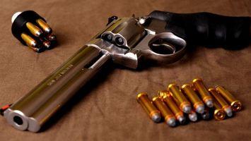 Photo free cartridges, revolver, barrel