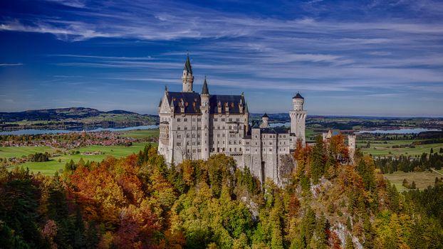 Фото бесплатно замок, купола, деревья, осень, простор, владения, пейзажи