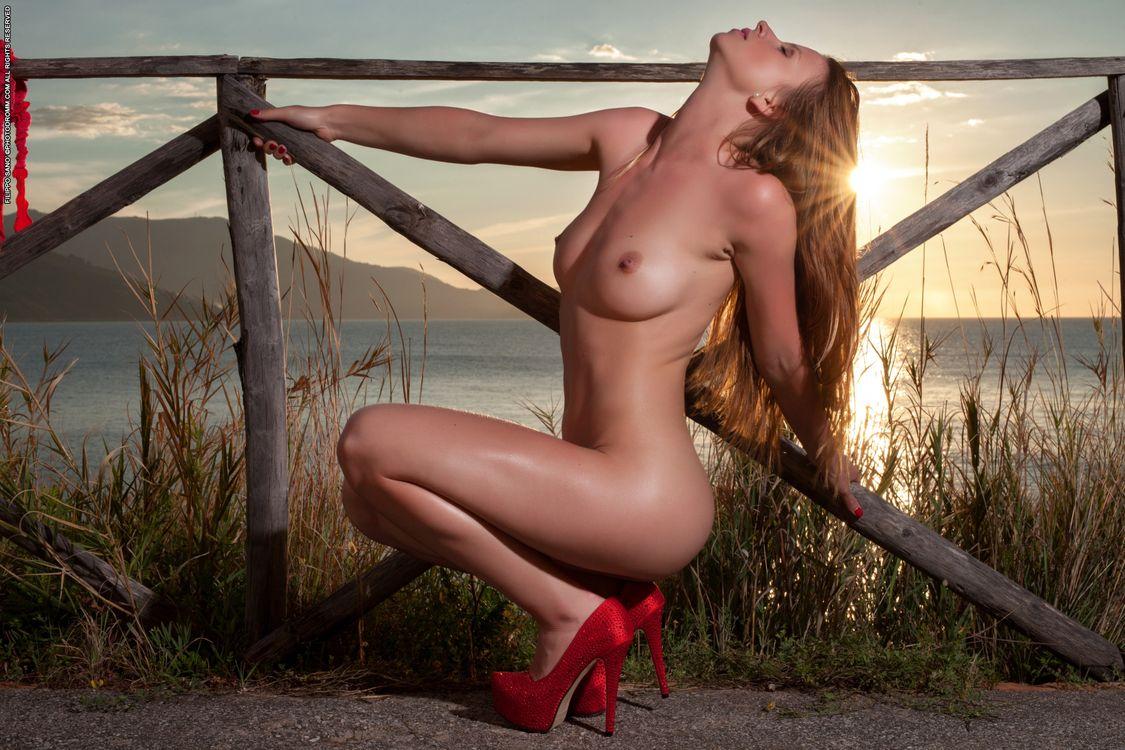 Фото голых женушек, Фото голых девушек - эротика бесплатно, порно фото 18 фотография