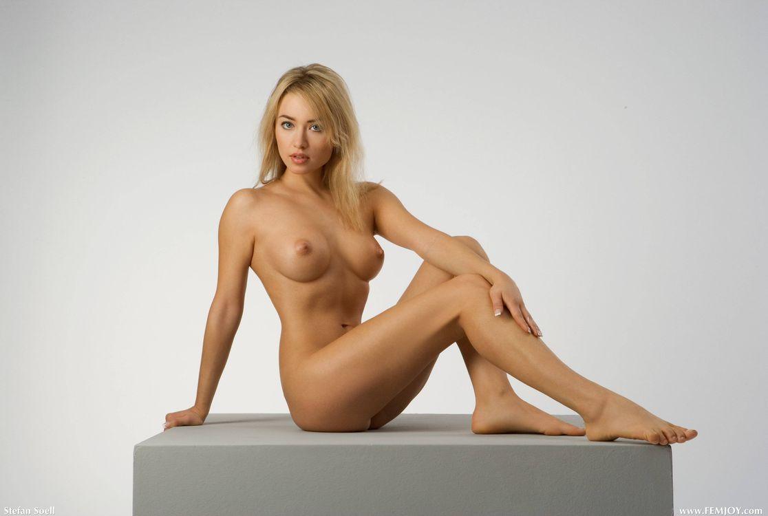 тому наши фото голая женщина сидя выяснили, что