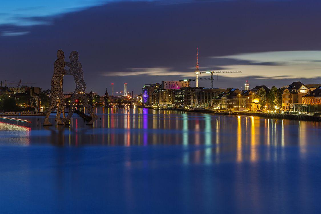 Бесплатно в германии, берлине скачать фотографию