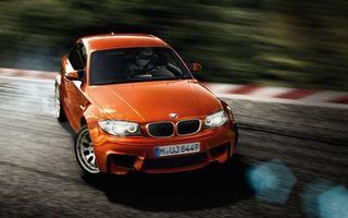 Бесплатные фото бмв, оранжевая, фары, свет, трасса, скорость, занос