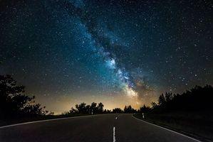 Заставки загородная дорога, небо, звезды