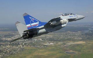Фото бесплатно истребитель, миг-35, кабина, пилот, штурман, крылья, вооружение, хвост, сопла, полет