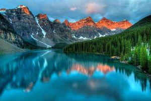 Обои Canada, Moraine Lake, озеро, горы, лес, деревья, пейзаж