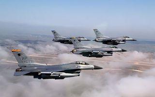Фото бесплатно самолеты, истребители, полет, крылья, вооружение, облака