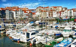 Заставки море, порт, яхты, катера, лодки, берег, дома, улицы, автомобили