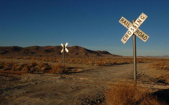 Фото бесплатно железная дорога, рельсы, знаки