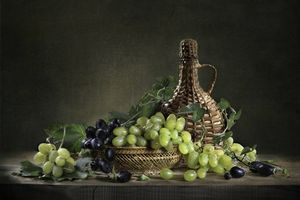 Фото бесплатно бутылка, натюрморт, виноград