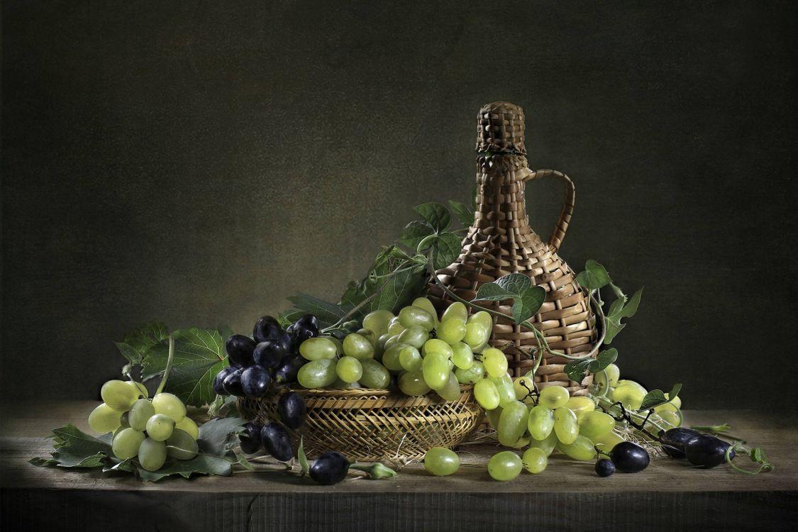 Фото бесплатно бутылка, натюрморт, виноград, разное