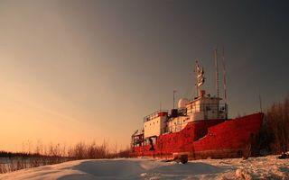 Бесплатные фото зима,берег,корабль,палуба,надстройки,деревья,снег