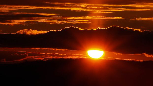 Заставки закат, красное солнце, облака