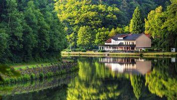 Бесплатные фото дом,река,волны,залив,отражение,деревья,листья