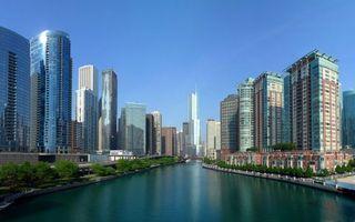 Бесплатные фото город,высотки,небо,голубое,дома,окна,центр