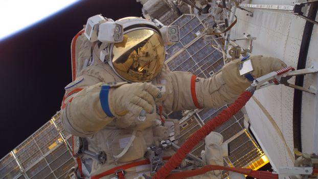 Photo free astronaut, flies, hands