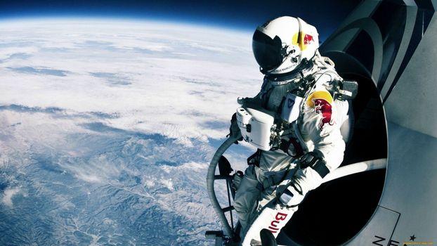 Photo free astronaut, space suit, flies