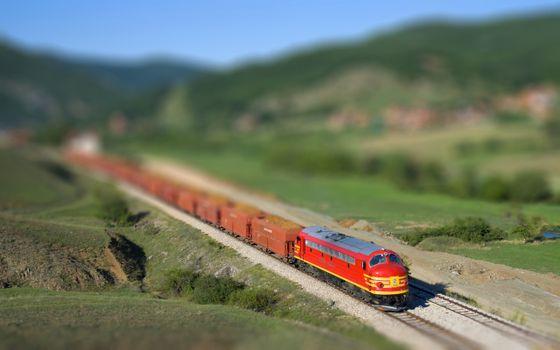 Бесплатные фото локомотив,поезд,состав,рельсы,шпалы,трава,поле,дорога,железная,вагоны,машины,природа