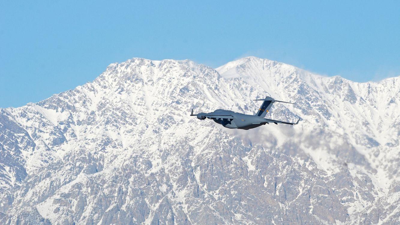 Фото бесплатно самолет, крылья, горы, снег, небо, голубое, авиация, авиация