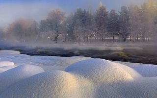 Бесплатные фото зима,река,снег,сугробы,деревья,лес,волны