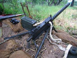 Фото бесплатно пулемет, винтовка, бинокль
