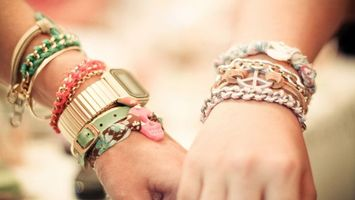 Обои руки, женская, мужская, часы, браслеты, украшения, разное