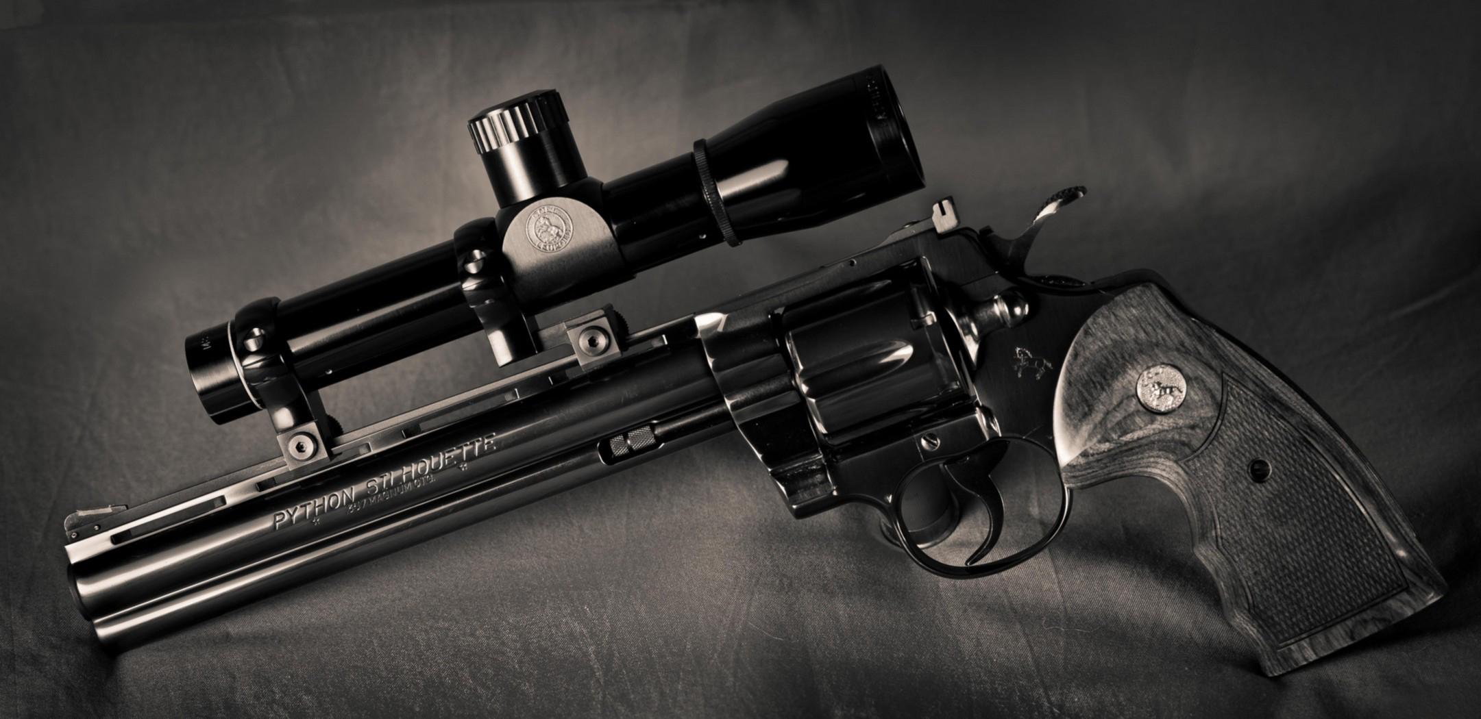 револьвер, прицел, курок