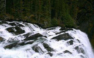 Заставки вода,река,горы,скалы,камни,водопад,деревья