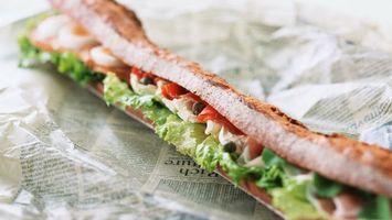 Бесплатные фото закуска,лаваш,бутерброд,салат,листья,газета,сверток