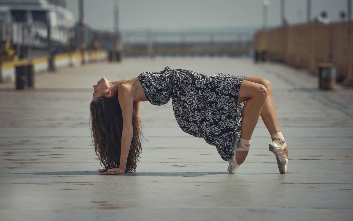 Фото бесплатно девушка, танец, платье - на рабочий стол