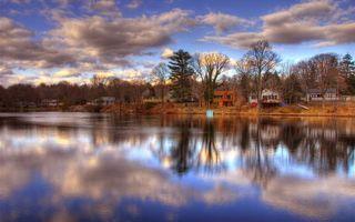 Бесплатные фото дома,небо,тучи,осень,вода,река,волны