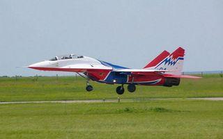 Бесплатные фото самолет,истребитель,крылья,двигатель,шасси,колеса,шины