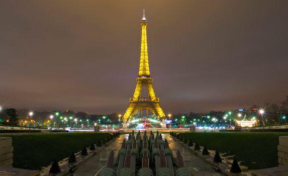 Фото бесплатно вечерний, париж, эйфелевая башня, желтый, свет, освещение, дома, фонари, улицы, город