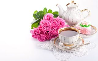 Photo free kettle, cup, flowers
