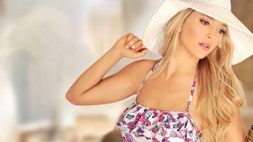 Фото бесплатно девушка, волосы, прическа, шляпа, блондинка, фото, платье, маникюр, девушки
