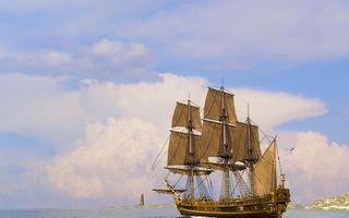 Бесплатные фото море,корабль,паруса,мачты,чайка,берег,маяк