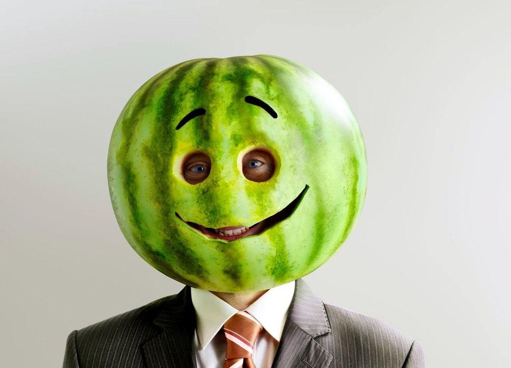 Фото бесплатно мужчина, арбуз, голова, глаза, улыбка, юмор, юмор