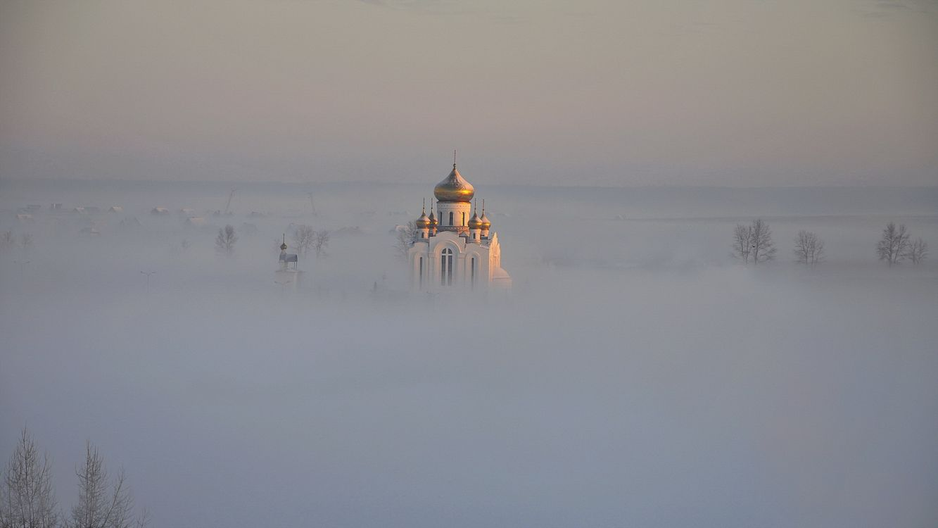 Фото бесплатно туман, деревья, церковь, храм, купола, кресты, пейзажи, пейзажи