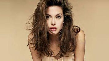 Фото бесплатно анжелина джоли, волосы, вьющиеся