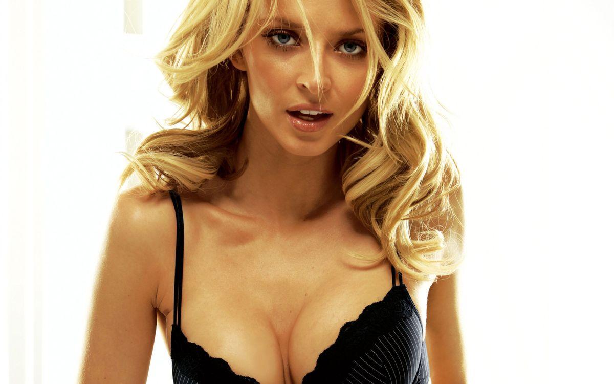 Фото бесплатно дівчина, блондинка, секси, смотрит, красивая, уста, девушки, девушки