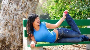Фото бесплатно denise milani bench, девушка, скамейка