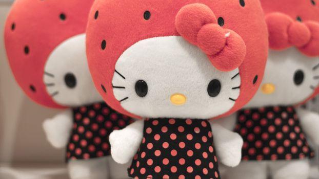 Бесплатные фото кукла,игрушка,девочкам,бантик,шапка,розовая,платье,горошек,принт,руки,нос,глаза
