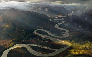 Бесплатные фото река,вода,берега,горы,вершины,холмы,ручейки
