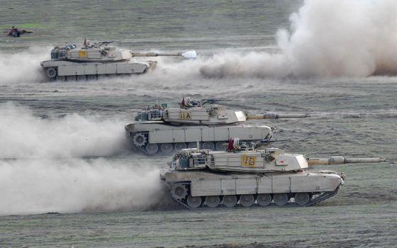 Бесплатные фото танки,гусеницы,пыль,стволы,выстрел,дым,оружие